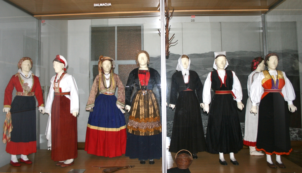CROATIAN NATIONAL DRESS FROM DALMATIA