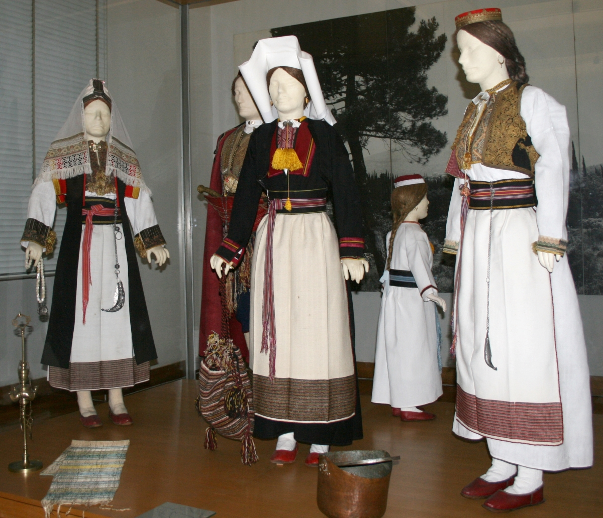 COSTUME FROM THE DUBROVNIK AREA (CILIPI, POPOVICI, KOMAJI), SOUTHERN DALMATIA
